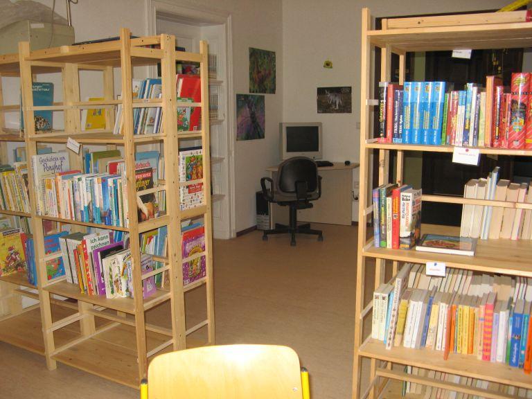 Bibliothek 3 klein
