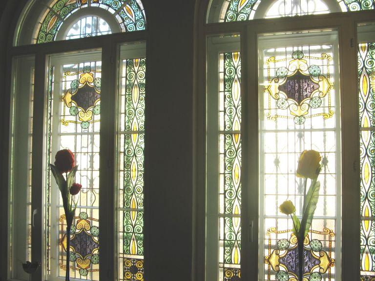Buntglasfenster im Treppenhaus klein